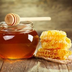 9 вещей которые произойдут с вашим телом, если вы будете есть мед каждый день