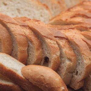 Россиян предостерегли от покупки опасного хлеба
