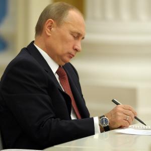 Путин подписал сразу несколько новых законов