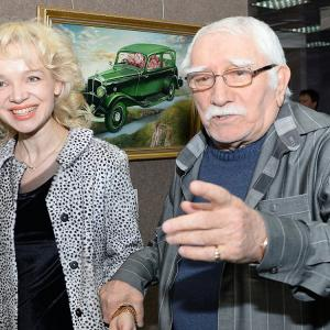 Цымбалюк-Романовскую разоблачили: ей было стыдно, что Джигарханян такой старенький