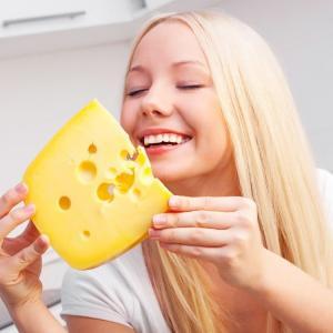 Как избежать покупки сырного продукта вместо сыра