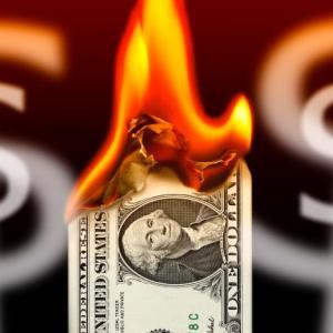 Доллар уничтожат через два дня