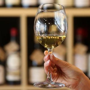 Ученые: даже одна порция алкоголя в день повышает риск развития рака