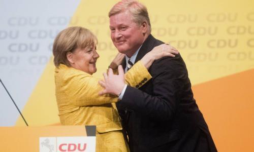 Меркель хотят выкинуть на улицу раньше срока