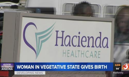 В США родила пациентка, 10 лет лежащая в коме. Директор клиники уволился
