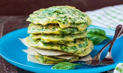 Блины с зеленью на завтрак