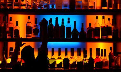 Женщина-бармен убила клиента пятью ударами кулака