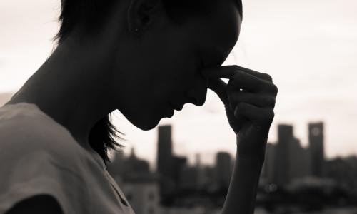 Как стрессы большого города уродуют ваше лицо и тело