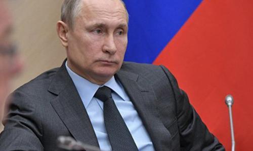 «Ради бога, не будем»: Путин пошутил о работе главы Крымского полуострова