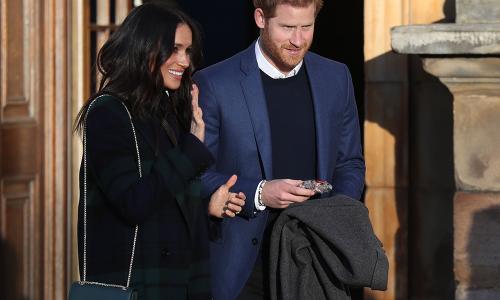 Гарри и Меган выложили в соцсети очень трогательный снимок своего первенца