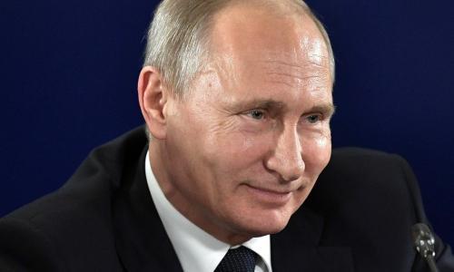 Владимир Путин приехал на осмотр новых военных самолетов. Видео