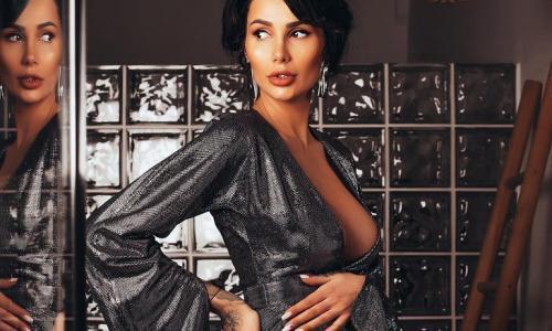 Устроенный беременной Кабаевой скандал попал на видео