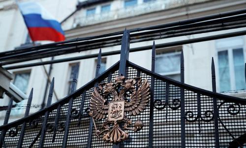 Британия приостанавливает все двусторонние контакты с Россией