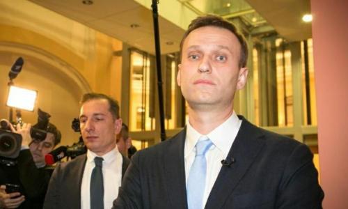 Сел в лужу: Навального поймали на вранье