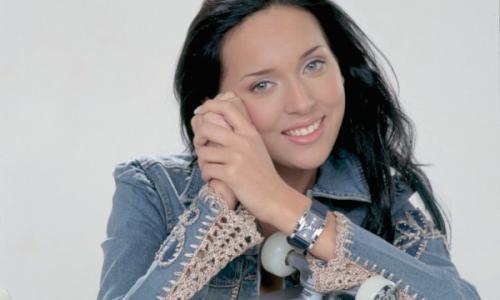 Певица Алсу резко отреагировала на слухи о пластике