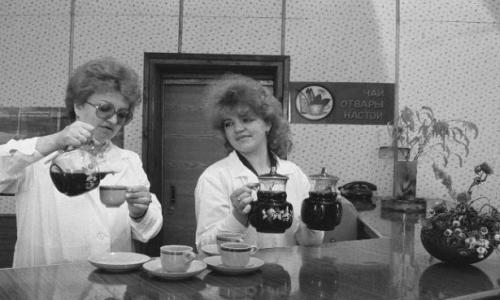 Беременные мужчины и просрочка: правда о советских аптеках
