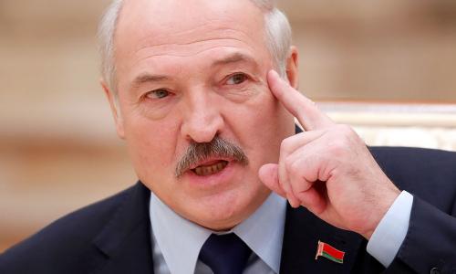 «Голову бы отвернул щенку»: Лукашенко вспылил из-за телефонов у школьников. Видео