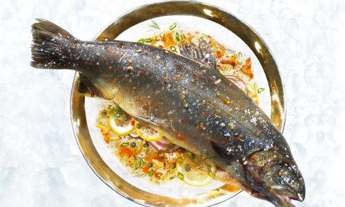 Жарю рыбу на бумаге: получается очень сочно и полезно