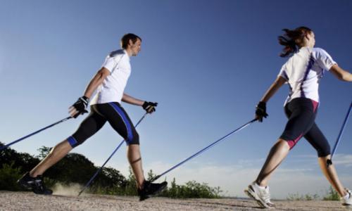Скандинавская ходьба: как правильно ходить, польза, противопоказания