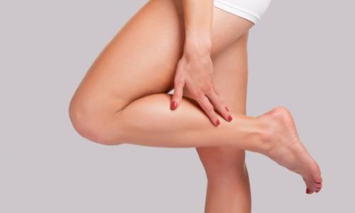 Почему ноги сводит судорогой: причины и помощь