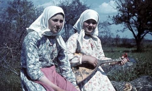 Как девушки на Руси проявляли ласки