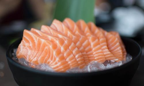Найдена недорогая замена красной рыбе: безумно вкусно и полезно