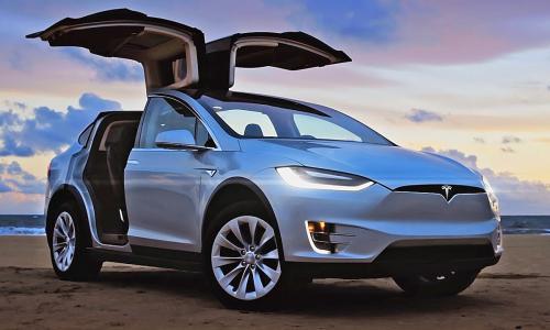 Россияне бросились скупать Tesla