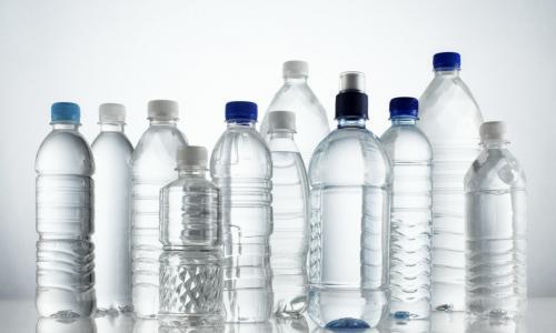 Почему пластиковые бутылки начали вызывать рак
