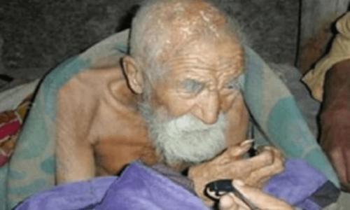 Односельчане подозревают, что этот 182-летний мужчина бессмертен