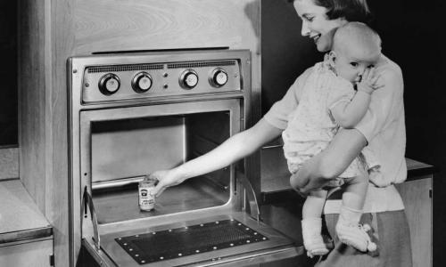 Почему в СССР долгое время были запрещены микроволновые печки