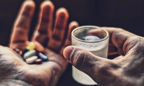8 лекарств, которые нужно всегда носить с собой