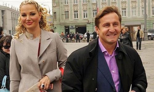 Одного бывшего мужа Максаковой перестали считать убийцей другого