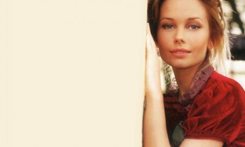 Актриса Елена Корикова попала не к самому хорошему пластическому хирургу. Видео
