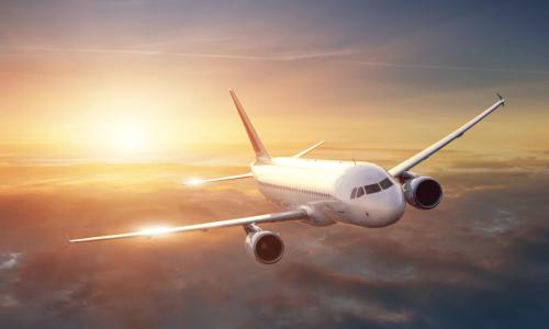 По какой причине большую часть самолетов красят в белый цвет