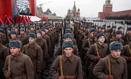 Что не понравилось советским гражданам в параде 7 ноября 1941 года