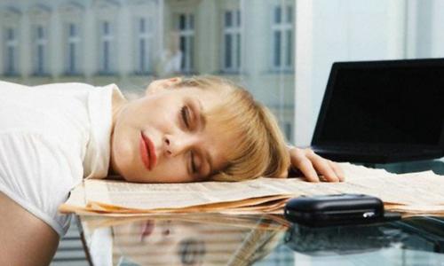 Простые способы справиться с дневной сонливостью