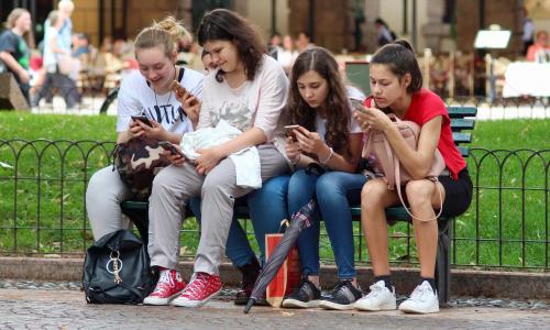 Пособие на подростков от 16 до 18 лет выплатят, но не всем