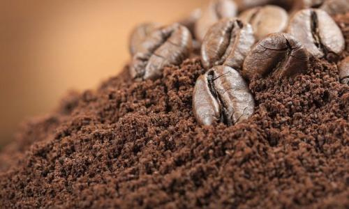 Пригодится в быту: что делать с кофейной гущей