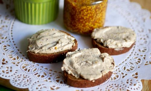 Еврейская намазка на хлеб за 5 минут