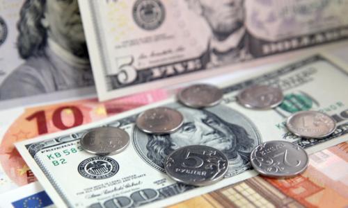 Рублю предрекли падение