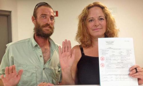 Она вышла замуж за своего брата: от семьи они скрывали 10 лет