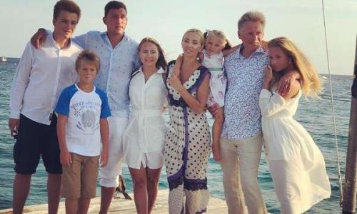 Старший сын Дмитрия Пескова впервые показал невесту