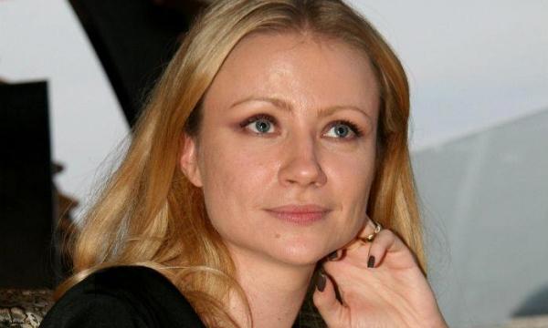 Мария Миронова опровергла слухи о браке с молодым актером