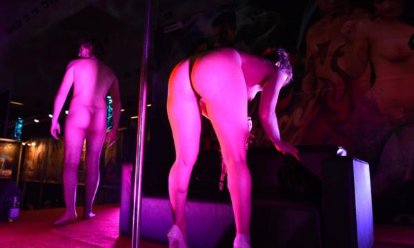 Раскрыта схема обмана девушек для съемок в порно