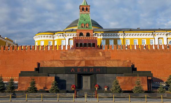 Почему нельзя выносить Ленина из мавзолея