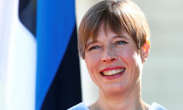 Президент Эстонии пренебрежительно высказалась о России после казуса с подарками