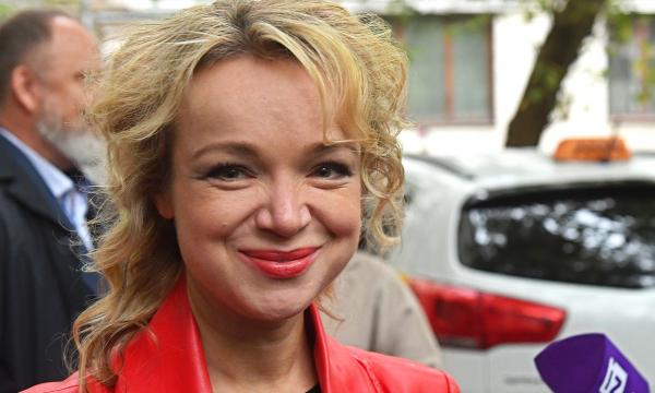 Виталина Цымбалюк-Романовская постриглась и изменилась до неузнаваемости. Фото