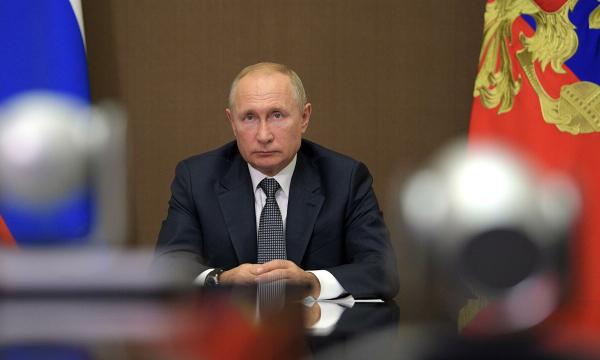 Владимир Путин устроил разнос российским губернаторам