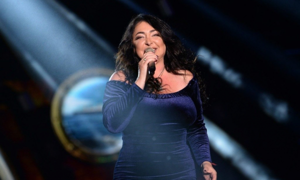 Певица Лолита появилась на шоу нетрезвой и босиком