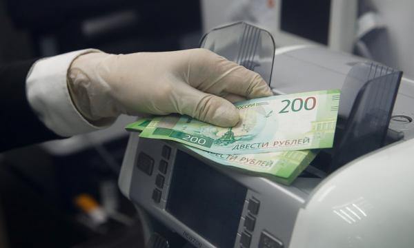 Банки ограничат снятие наличных. К чему готовиться клиентам?